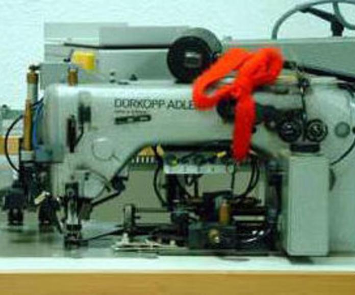 Venta de maquinaria y accesorios para confección industrial: Productos y servicios de Sercovalls 2002