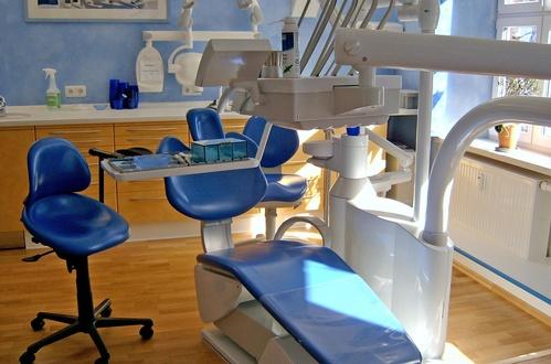 Clínica Dental Roger de Flor - Revisiones dentales