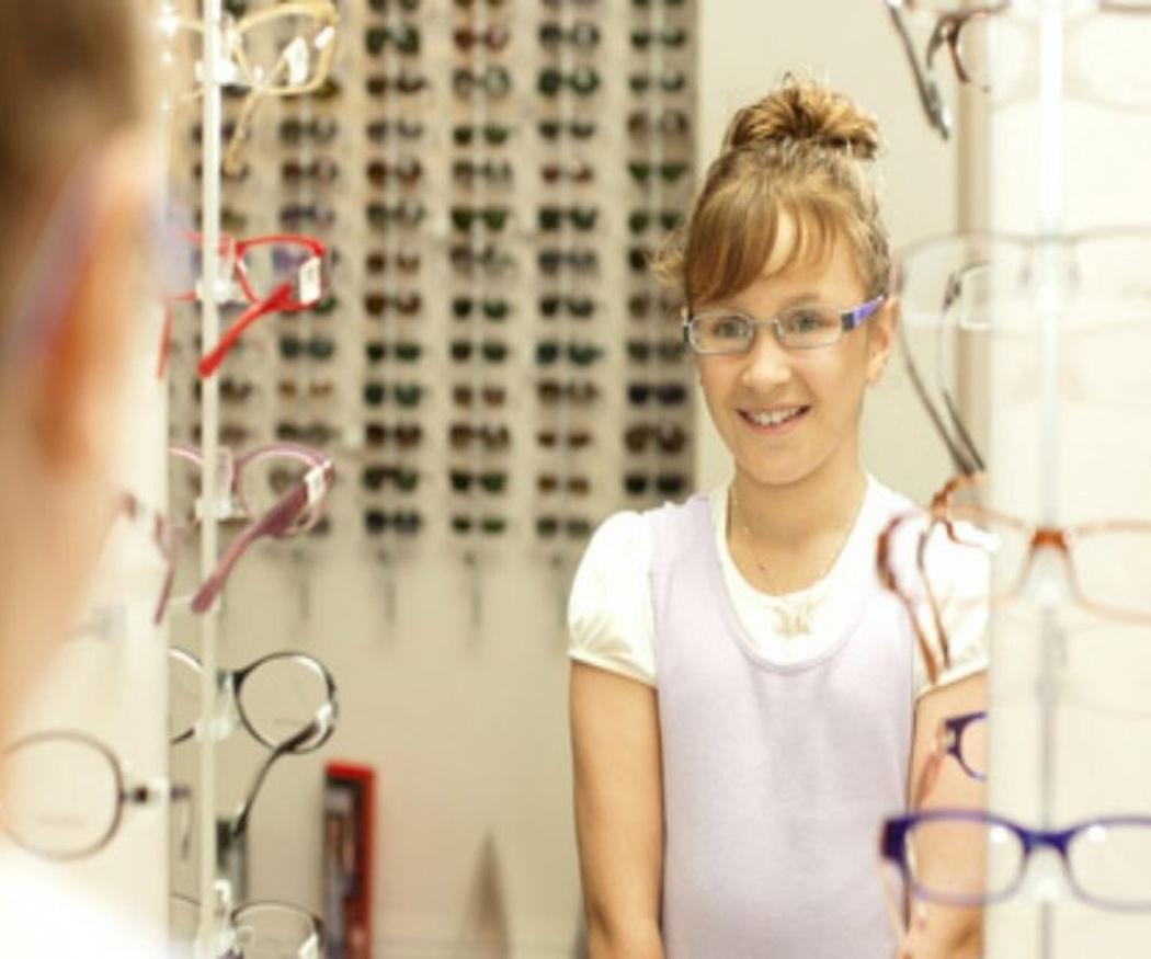 Cómo saber cuándo tu hijo necesita gafas