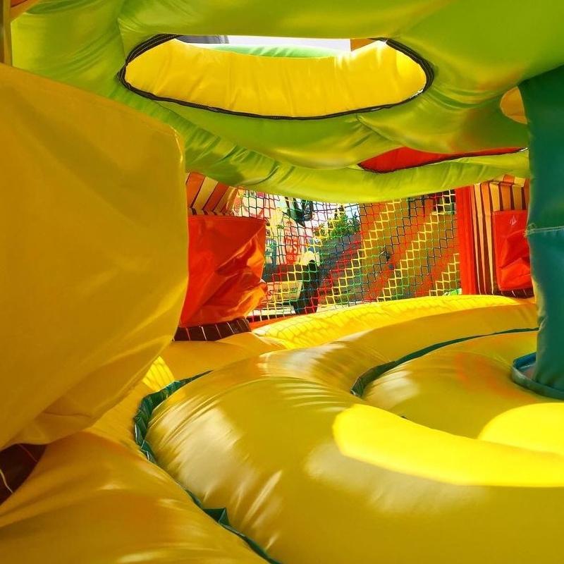 Roba bolas: Catálogo de Hinchables Happy Jump