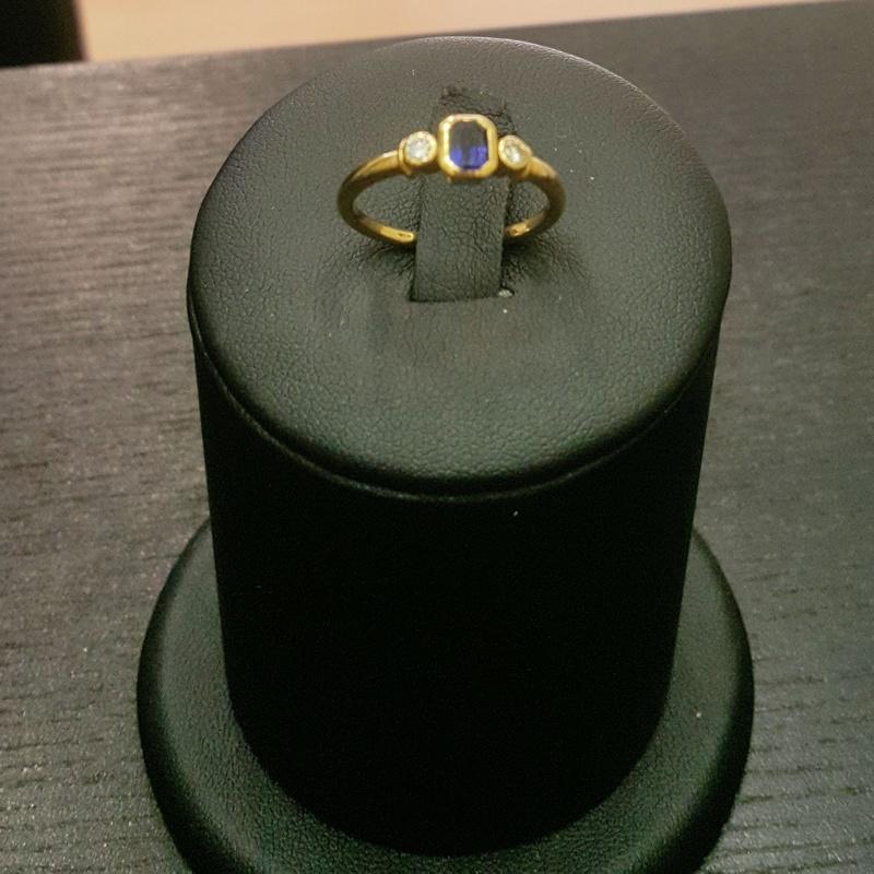 Anillo de oro con zafiro y diamantes: Compra Venta de Oro y Plata of MR. SILVER & GOLD