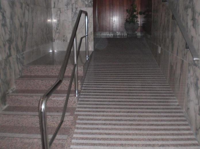 Eliminación de barreras arquitectónicas - Accesibilidad : Servicios  de Thisan Construcciones y Reformas