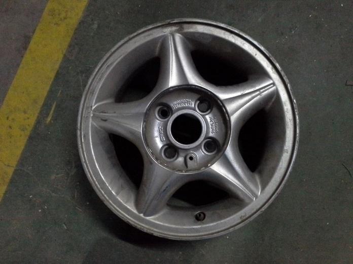 Llantas de aluminio de Seat R-13 de 4 tornillos