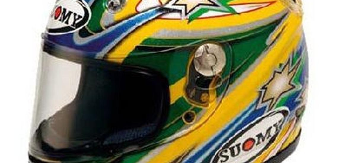 Motos de ocasión en Donostia con cascos a la venta