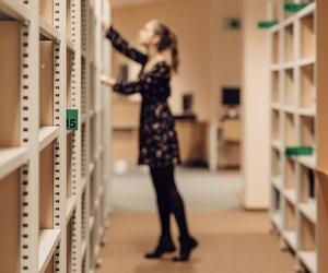 El papel fundamental de las estanterías en tu negocio