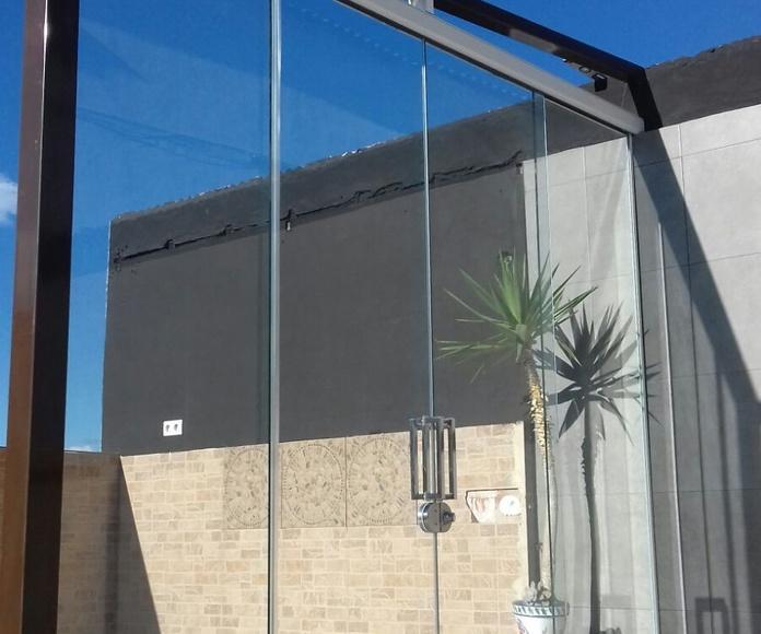 Cortina de cristal corredera: Productos de Tech Glass Systems