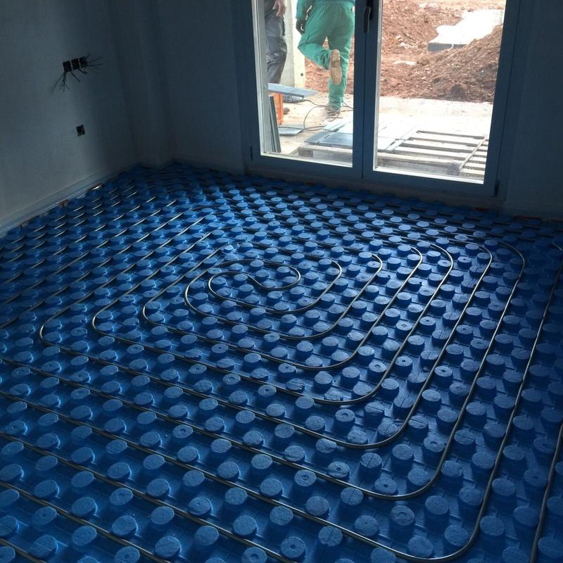 Instalación de suelo radiante: Servicios de Calefacción y Mantenimiento Moisés Domínguez