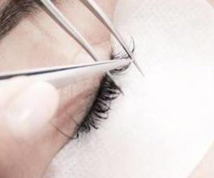 Extensiones de pestañas: Tratamientos y productos de Lipostetika Unisex
