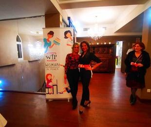 Networking en restaurante los pistones de la mano de Ana Ulibarri fundadora de Woman in Power