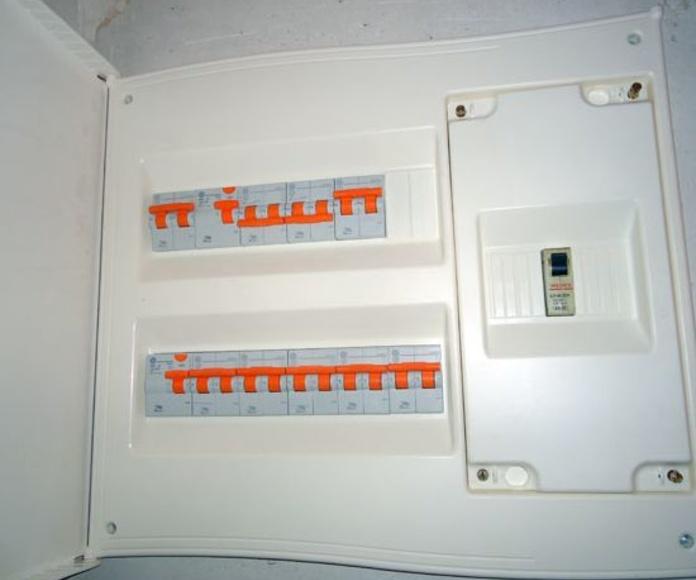 Electricidad: Servicios de Saneamientos Rojas