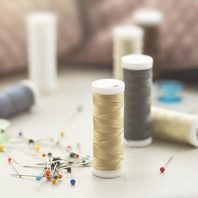 Descubre los accesorios imprescindibles de una máquina de coser