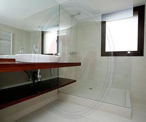 Acristalamiento Baño. Mamparas de baño a medida Madrid