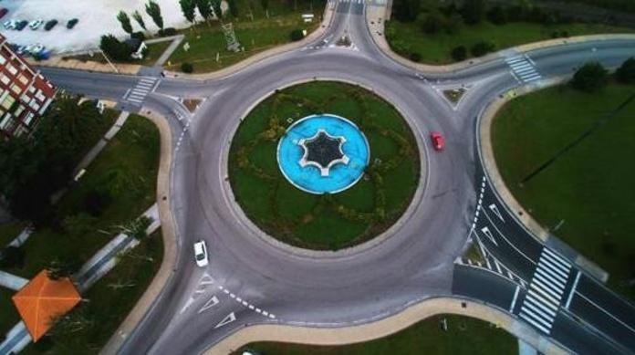 Vista aérea de la rotonda de La Inmobiliaria / Luis Palomeque
