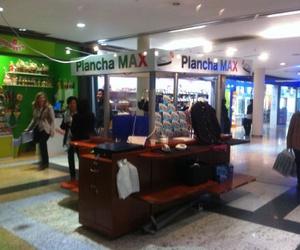 muebles y expositores para centros comerciales 2