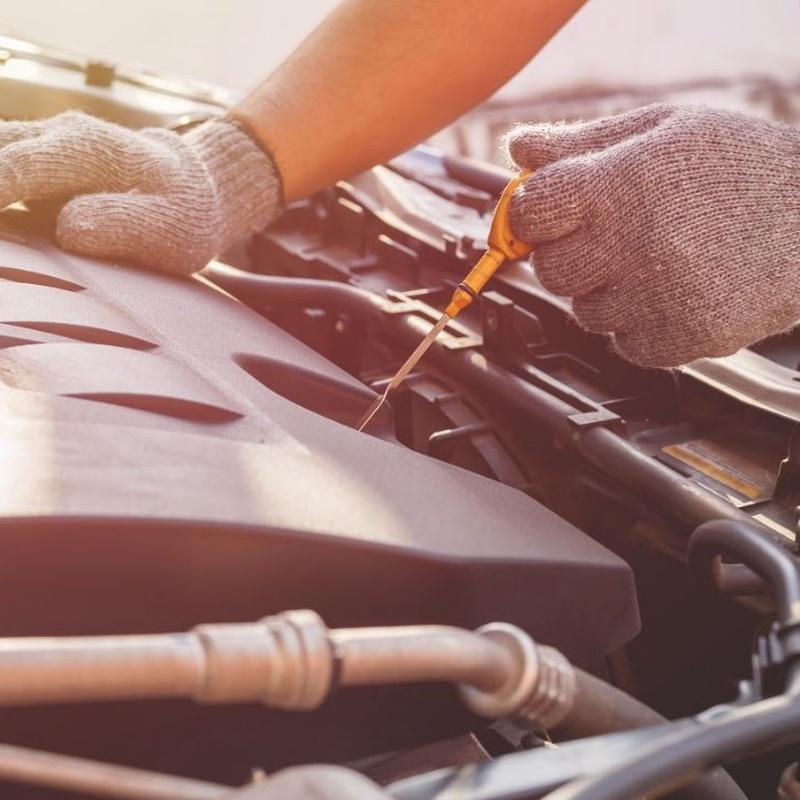Mecánica rápida: Servicios de Auto - Rex Beniparrell