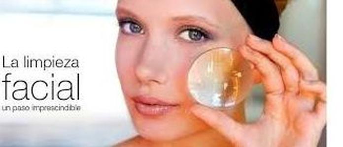 Higiene facial express: Tratamientos y cosméticos de Etherma