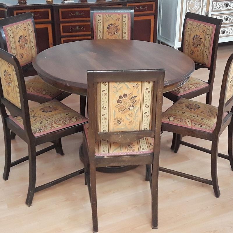 mesa madera macisa antigua con sillas : HIPER RASTRO REMAR NAVARRA de Remar Navarra Mutilva