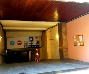 Entrada Parking Monterrey Calle entença 24