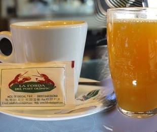Rest. La Fonda del Port Olimpic. Bebidas para desayunos y almuerzos