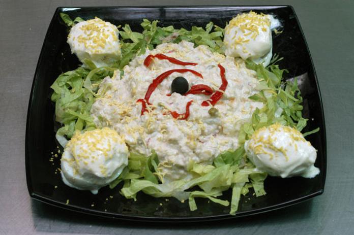HUEVOS RELLENOS: Nuestros platos de ¡Qué Aproveche! Cocinados