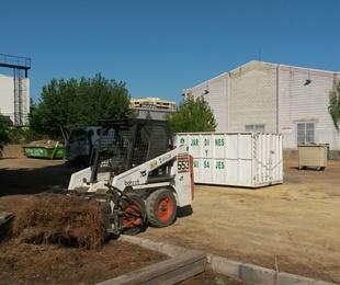 DESBROCE Y LIMPIEZA DE LA DELEGACIÓN TERRITORIAL DE FOMENTO Y VIVIENDA DE LA JUNTA DE ANDALUCÍA