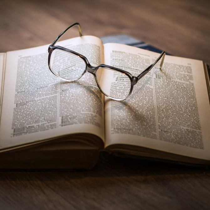 Beneficios de la lectura para la salud de los mayores