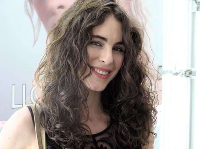 La modelo Maialen Fernandez confía en Llongueras Mirasierra