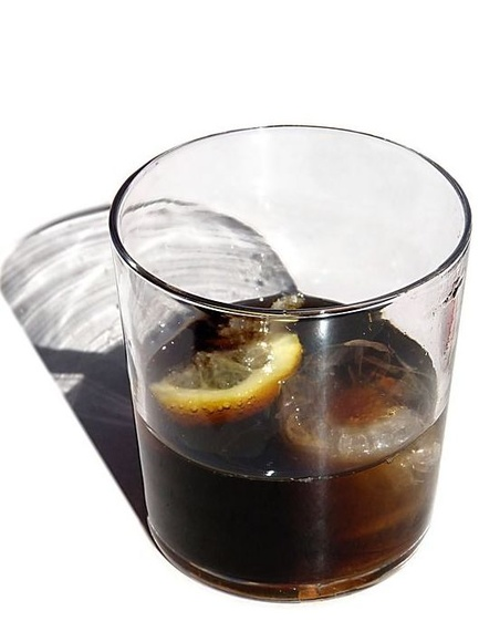 Ocho bebidas supuestamente saludables que no son mucho mejores que un refresco de cola