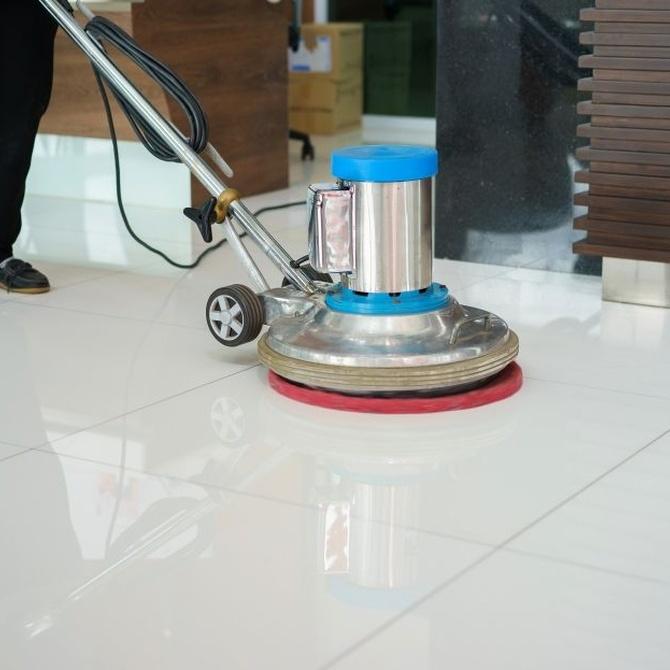 Máquinas para abrillantar los suelos de mármol
