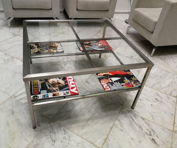 Mesa de acero inoxidable y vidrio a medida de diseño por encargo.