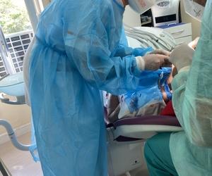 Implantes dentales en Madrid, Carillas dentales Madrid, Dentistas Urgencias dentales Madrid