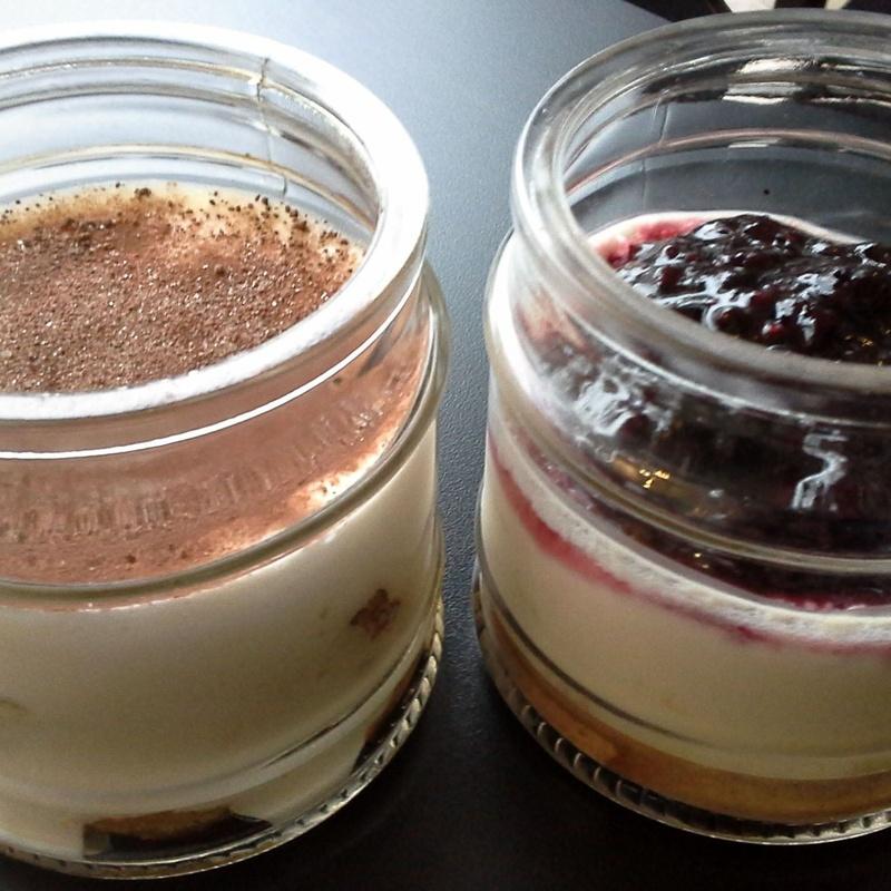 La hora de las locuras dulces...: Servicios de Cafetería Tosteria O´Clock