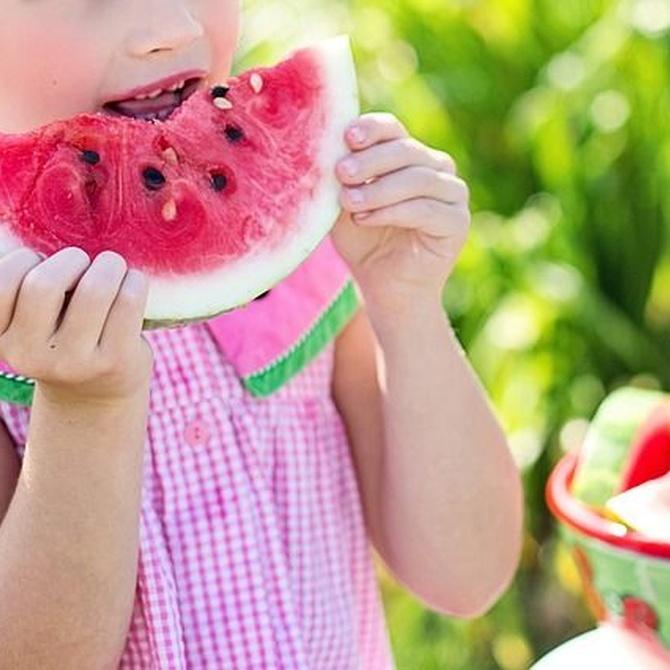 Cinco consejos para disfrutar de una comida con niños pequeños