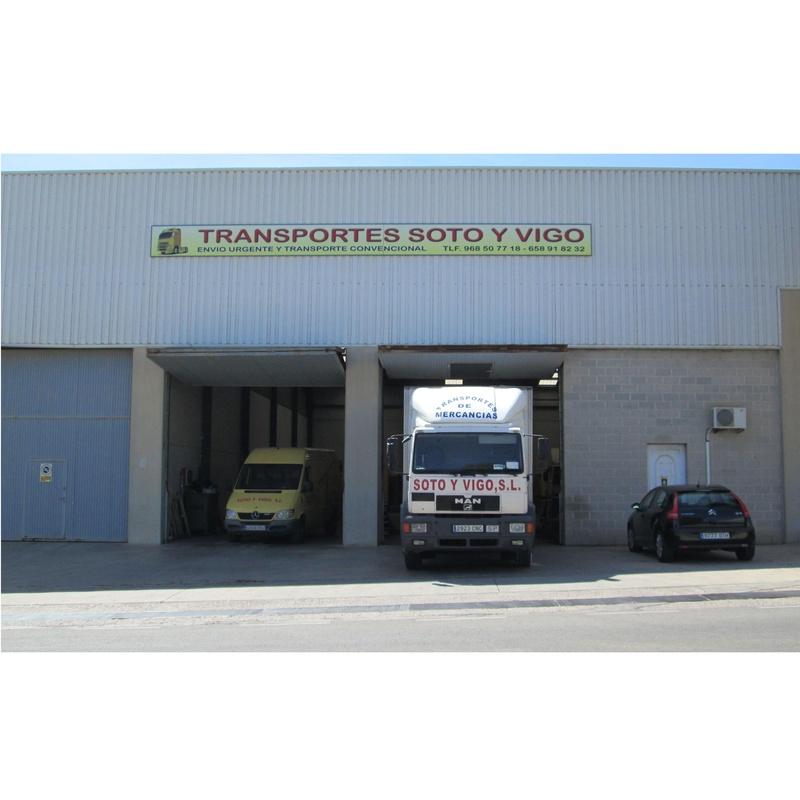 Mercancías: Transporte de mercancías de Transportes Soto y Vigo, S.L.