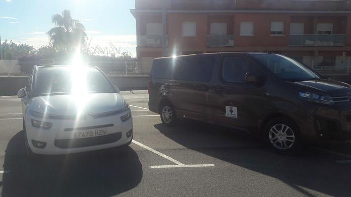 NINE AND SEVEN SEATS: Services de Taxi Creixell