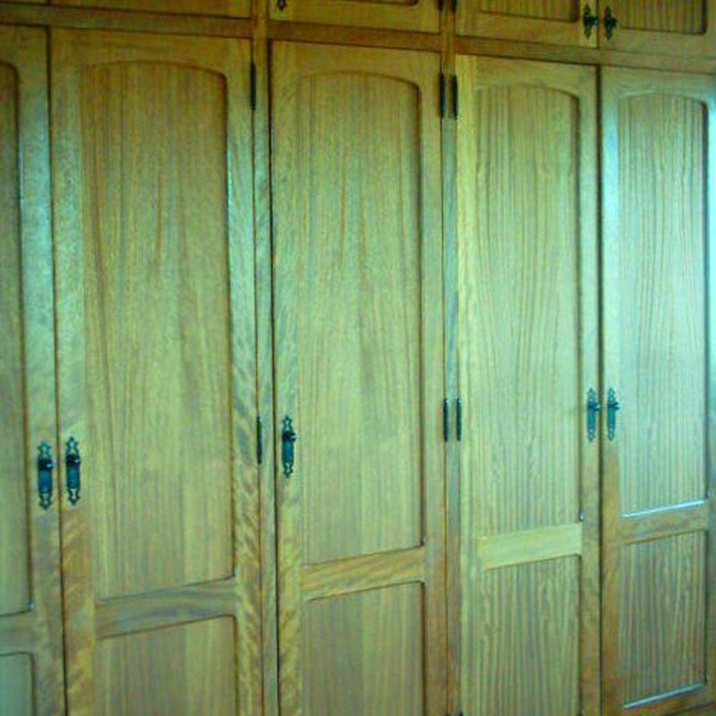 frente armario en madera de iroko