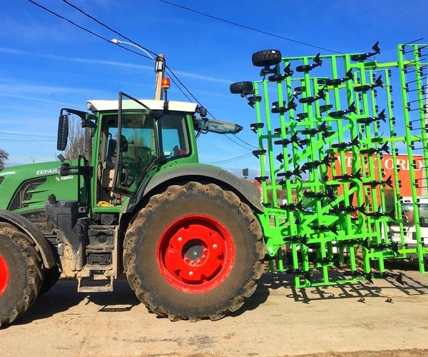 Fabricantes de maquinaria agrícola