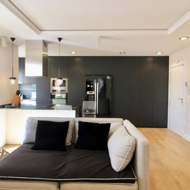 Estepona – Apartamento Planta Media / Ref.- ID-R3400996: Inmuebles de DreaMarbella Real Estate