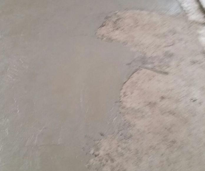 Hormigón con capa hidratada: servicios de Pavimentos Paterna, S.L.