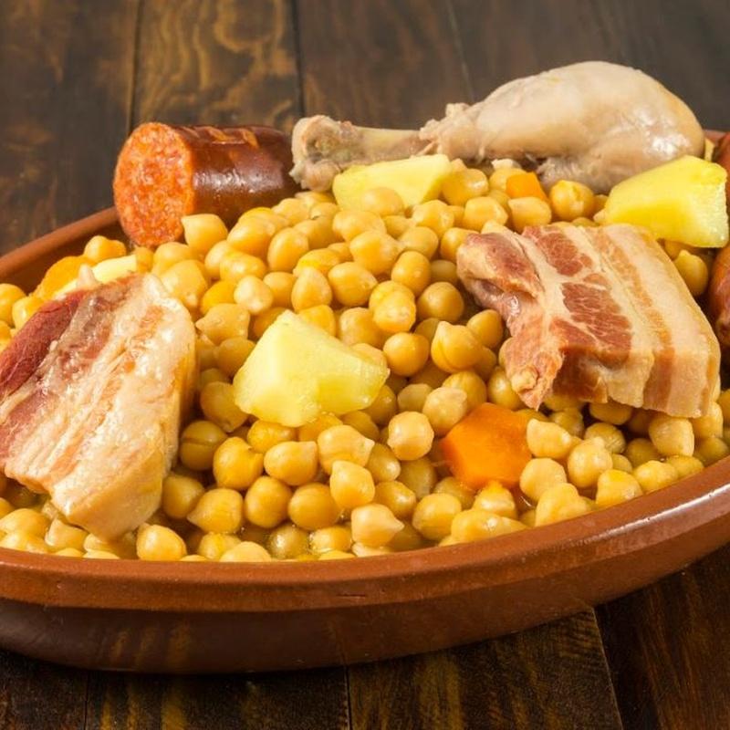 Arroces y platos por encargo:  de Bar Restaurante La Oficina