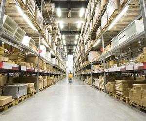 Almacenamiento y gestión de almacenes