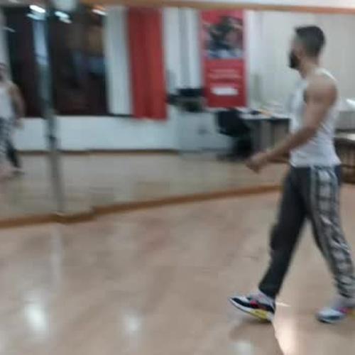 Alexis, profesor de baile moderno