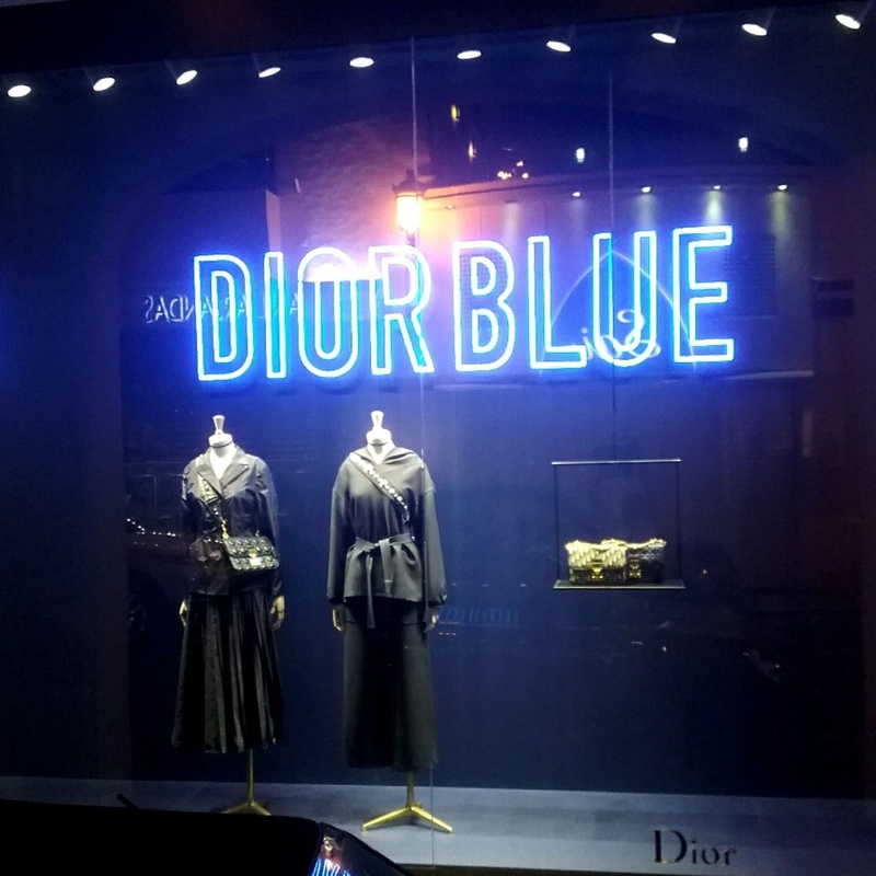 Neón. Realizado para Dior
