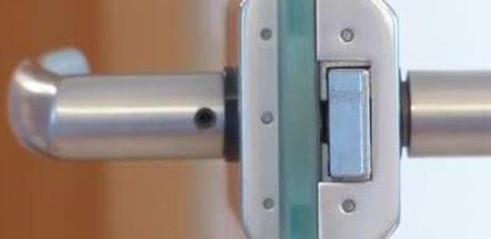 Aperturas de puertas: Servicios de Cerrajero del Barrio