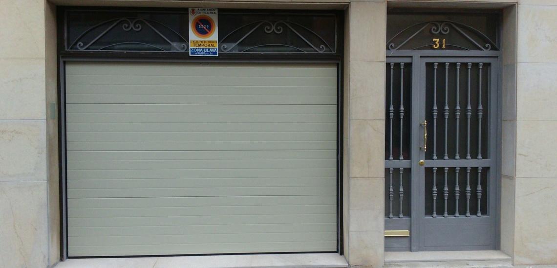 Puertas de garaje y de portales en Castellón