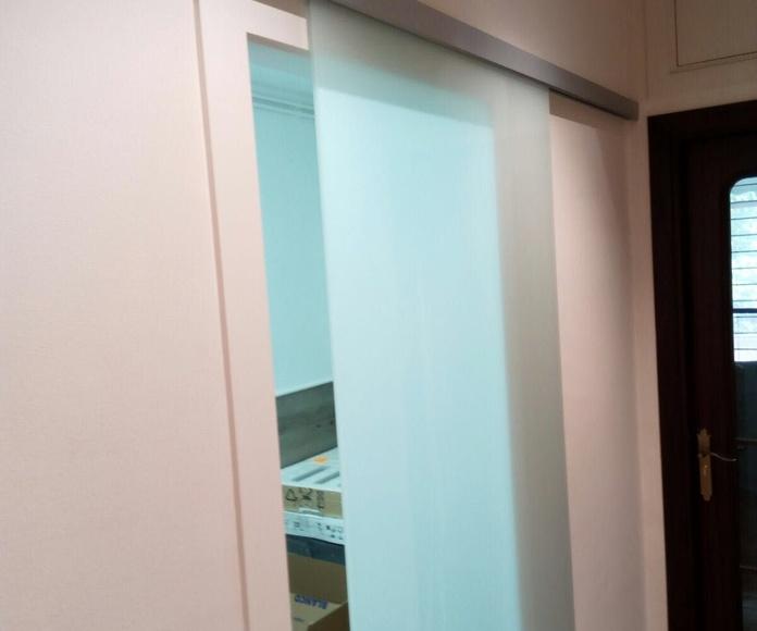 Puertas de interior de viviendas: Productos y servicios de Cristalería Jiménez