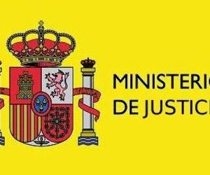 El nuevo ministro de Justicia Rafael Catalá, jura su cargo.