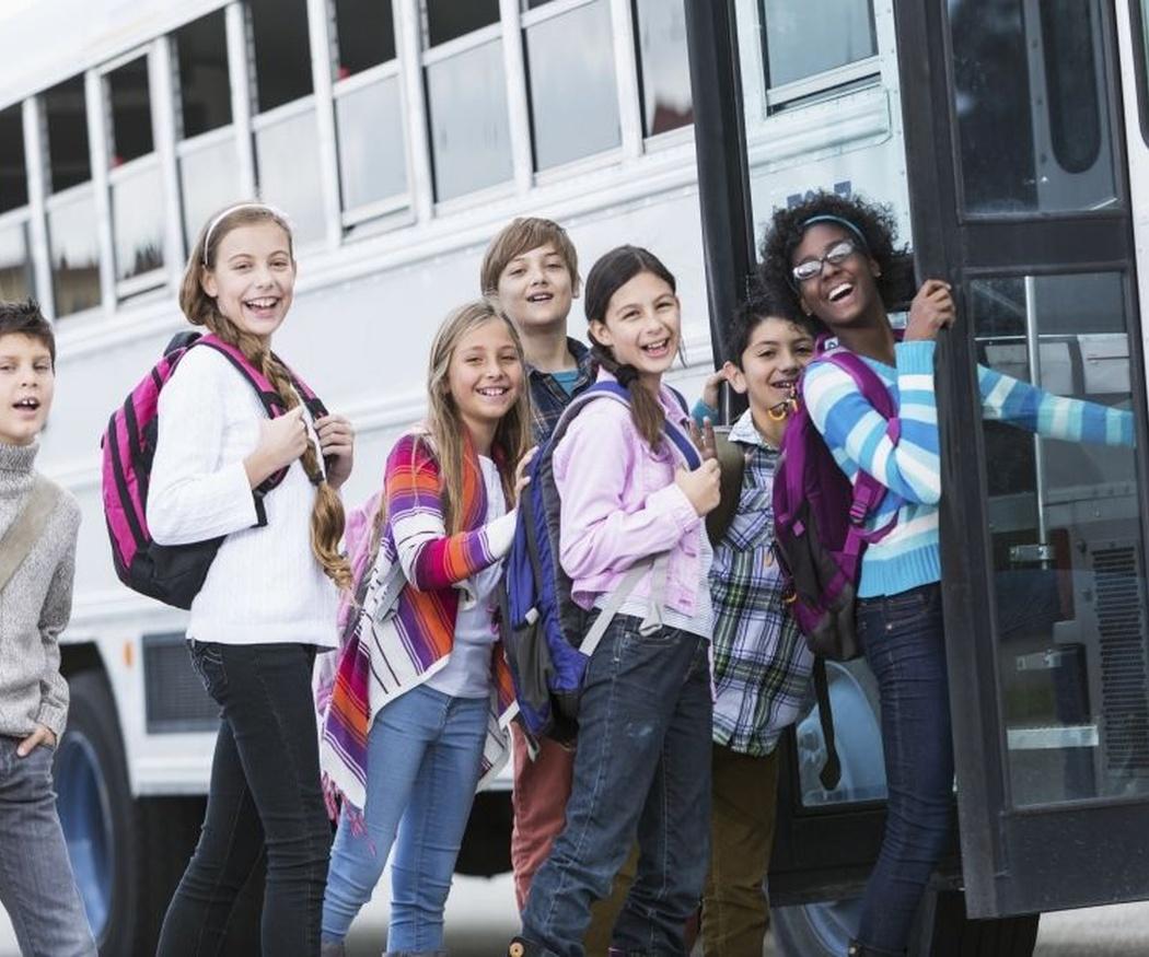 Cómo comportarse en un transporte escolar