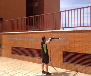 LIMPIEZA DE GRAFFITIS CON GRAN EFECTIVIDAD