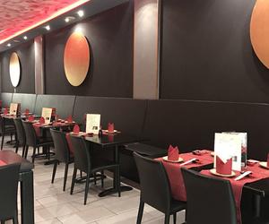 Restaurante con cocina tradicional japonesa